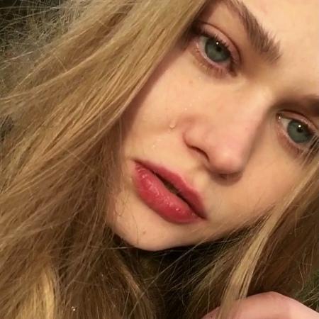 PolyaizDerevki on Instagram Бьюти поэзия ⠀ Итак эмоции которые я использовала печаль боль непонятость сомнения ⠀ Жму руку представителям данн