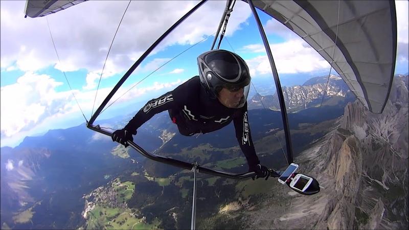Dolomite hang gliding flying