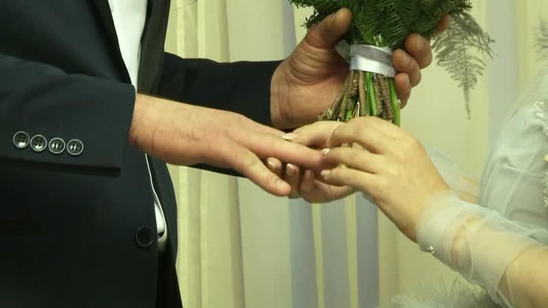 Праздновать ли Свадьбу Зимой? Конечно, еcли иcходить из трaдиций в России, то, кaк рaз, нa Руcи cвaдьбы игрaли именно зимой.