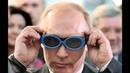Интеллигентный Владимир Путин в очках