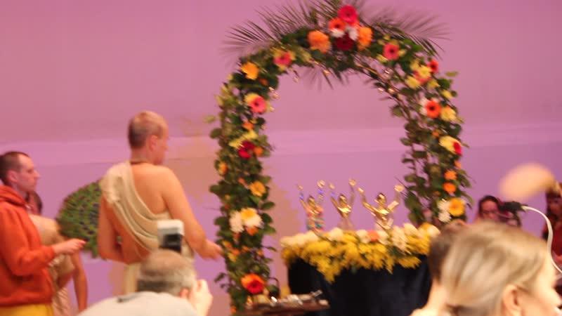 MVI 0004 Храм Кришны в Москве День Явления Господа Нитьянанды Абхишека