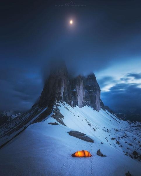 «Под луной» (Кортина-дАмпеццо, Альпы, Италия)