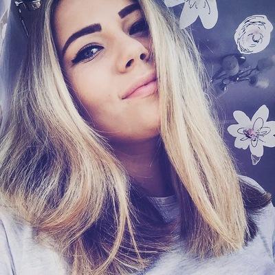 Аня Котова
