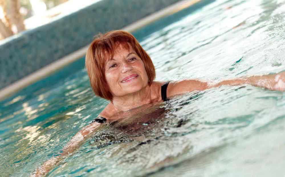 Плавание может быть полезным для людей всех возрастов