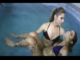 Girl drown girl