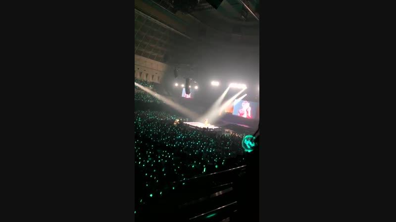 181110 Kobe (day 2) Keeping Love Again (Taemin feat. Shawols ♡)