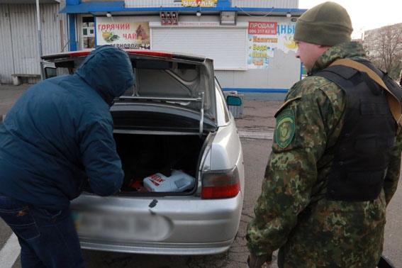 В Донецкой области вооруженный переполох: террористы повально обыскивают дома