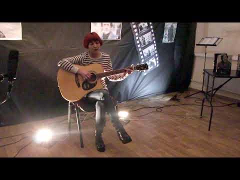 Ксения Пигаваева - Романс, выступление на конкурсе песни под гитару Ещё не вечер..