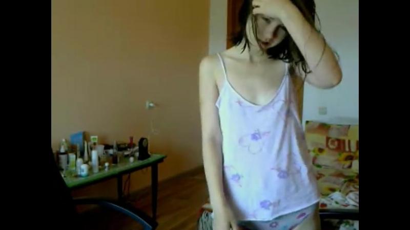 Соня танцует нежный стриптиз. (Школьница, студентка, малолетка, Skype, Vine, WebCam)