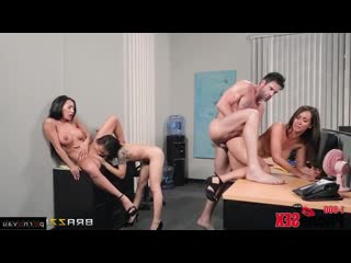 Isis Love & Holly Hendrix & Charles Dera & Amia Miley [ Group &  In the office &  With talk / Cunnilingus, Pussy, Tattoo, Kam