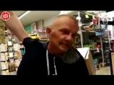 Допрос мужчины, удерживавшего с ножом девушку в магазине в Москве