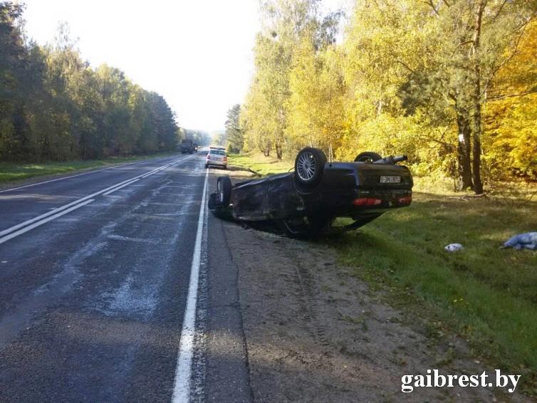 Ляховичский район: в результате опрокидывания автомобиля травмирован пассажир