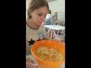 Анна Александровна лопает капустку. Для Вас.