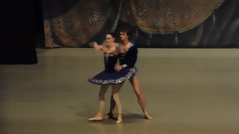 03.27 минут. Skorik rehearsal of the classical pas de Deux (fragm)