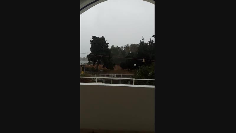 ливень и град на острове Родос в Греции 01.10.18