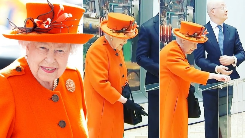 Queen Elizabeth just removed glove to publish her VERY first Instagram post