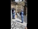 Пражский град. Смена почетного караула возле президентского дворца.
