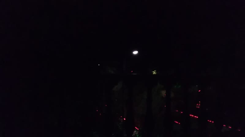 Вечер. Вид с балкона. Каждый день и ночь))
