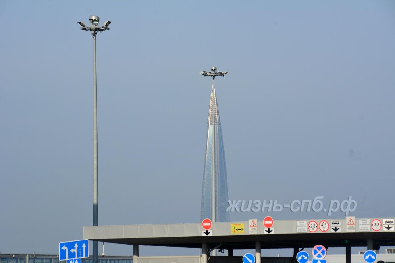Пассажирский порт Петербурга Морской фасад и вид на Лахта центр