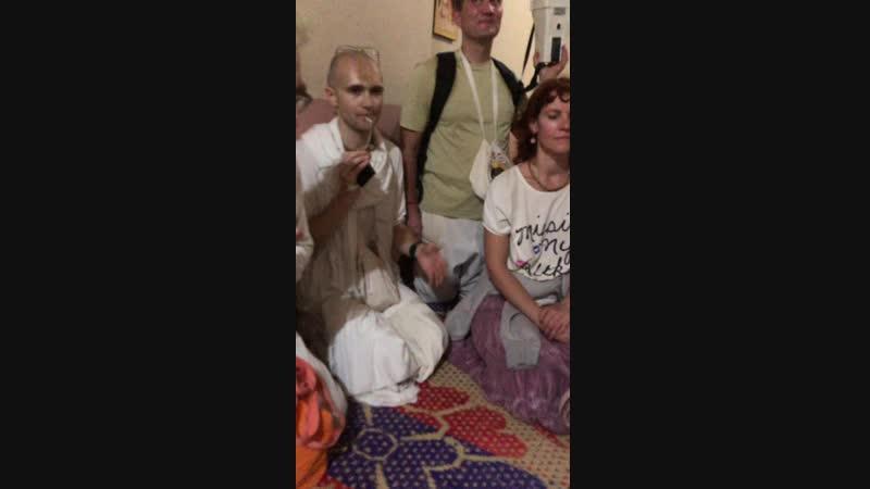 В личной комнате Прабхупады