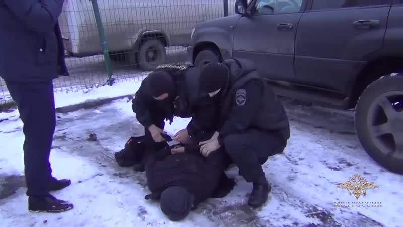РАБОТАЕТ СОБР принималово криминальной группировки оперативная съёмка