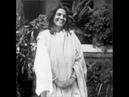 Ananda Kirtan - Hare Krishna - Anandamayi Ma