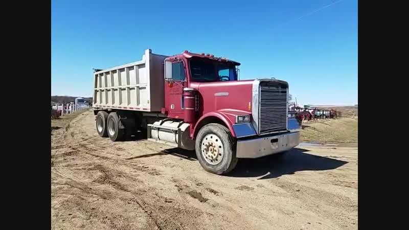 1988 Freightliner T_⁄A Dump Truck