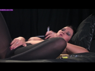Amber Leigh Smoking and Rubbing Her Pussy