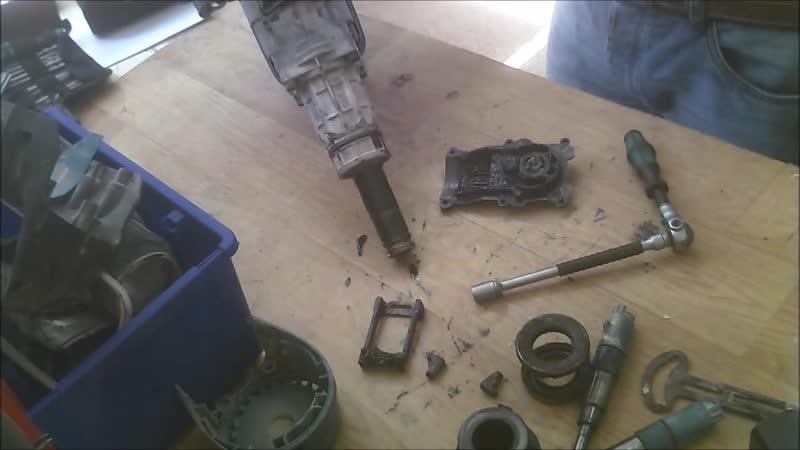 How to repair Makita rotary hammer drill HR4013C dissasemble