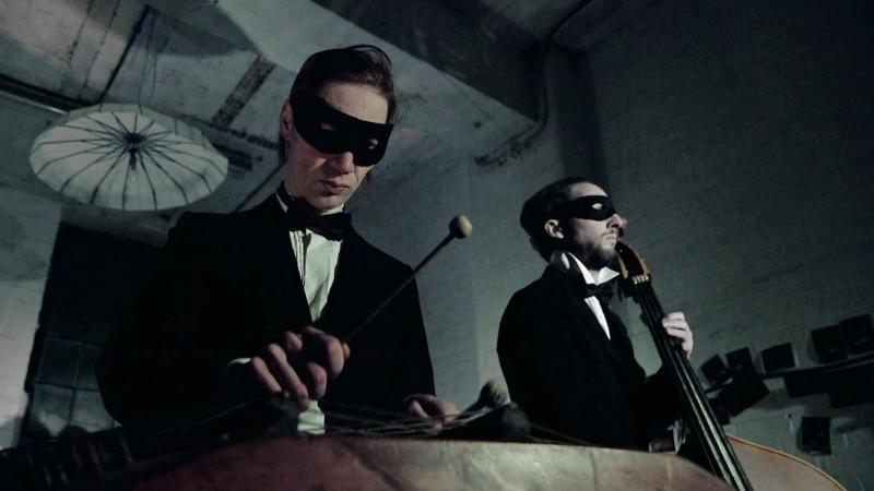 Orkestra Obsolete play Blue Monday using 1930s instruments - BBC Arts
