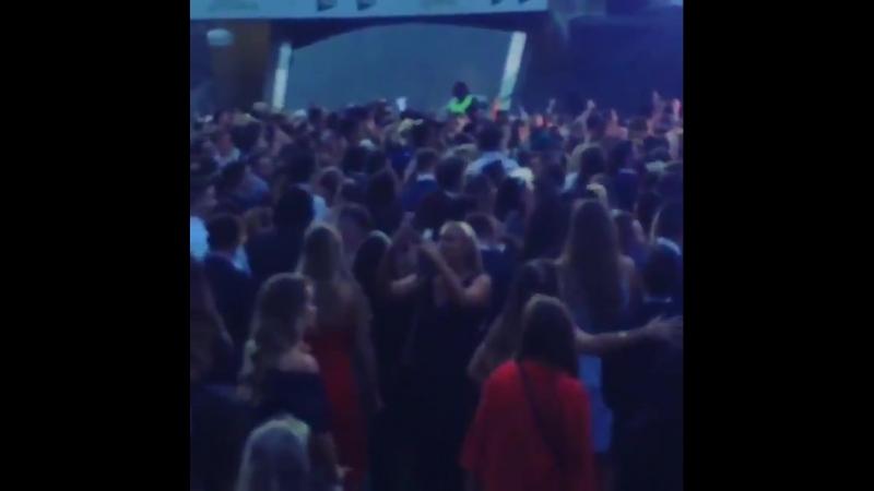 LiamPayne performing DragMeDownTheEverest in Sydney
