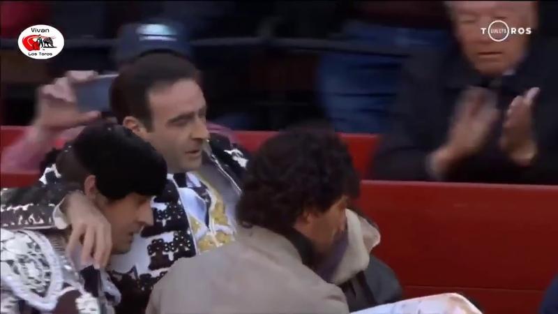 Испанский матадор пострадал от разъяренного быка