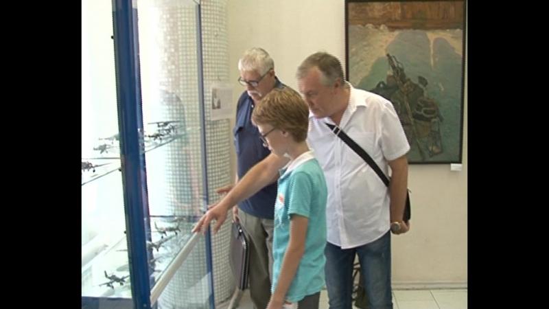 В Курске открылась выставка авиамоделей