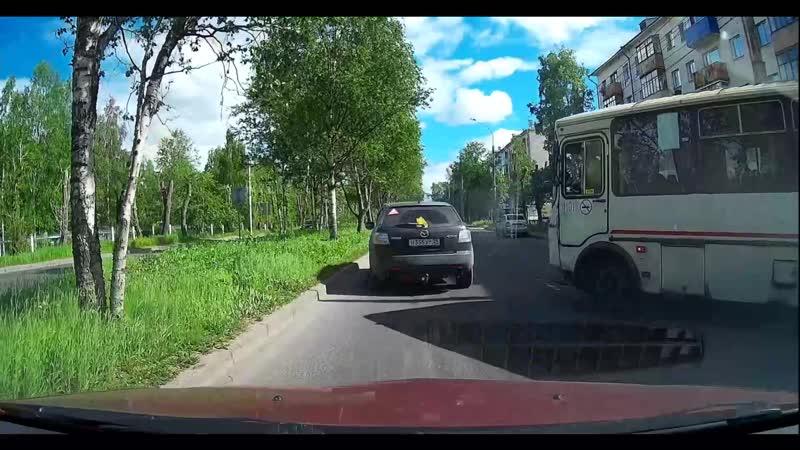 Архангельск Выпустил автобус с помехой