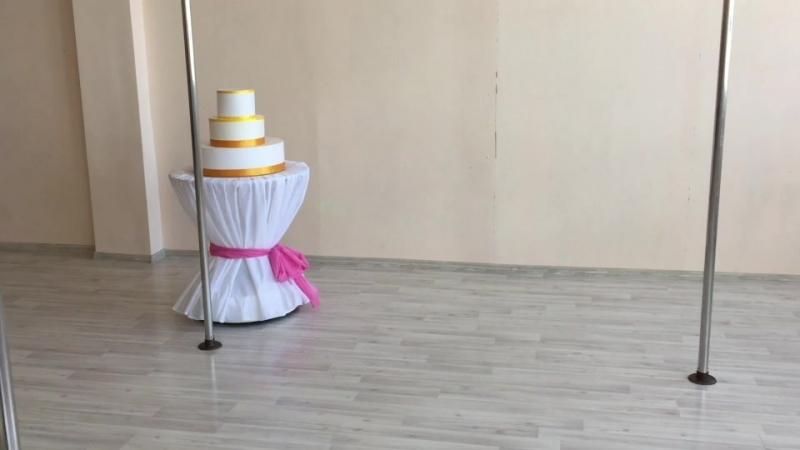 стол для выноса торта