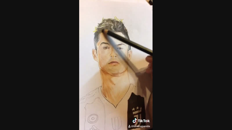 Криштиано Роналду, один из лучших футболистов!