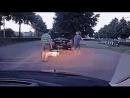 Спокойная разборка на дороге прикол