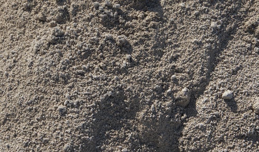 Сухой цементный порошок.
