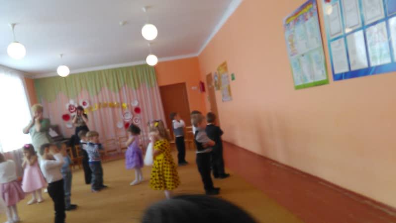Веселый танец у Павлуши в садике