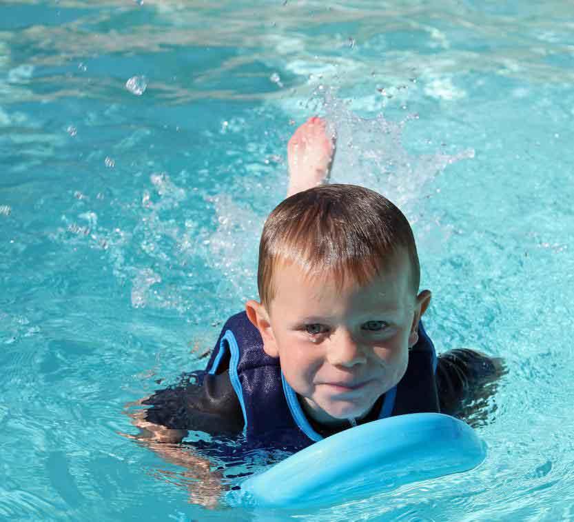 Дети не должны оставаться без присмотра в бассейне