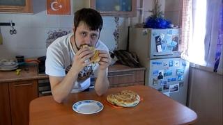 Бёрек. Турецкий пирог со шпинатом и сыром фета.