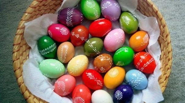 Почему на Пасху принято красить яйца, и откуда пошла эта традиция