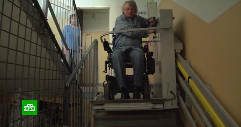 Соседи инвалида отказались платить 16 рублей в месяц за подъемник