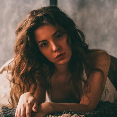 Елена Страшнова