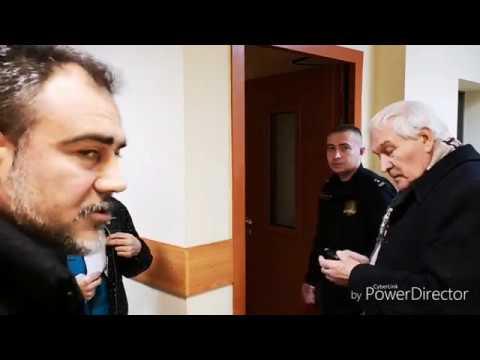 Московский Суд, люди в чёрном, пьяный пристав, полиция и биороботы...