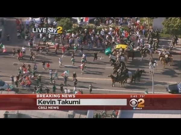 Team Mexico Fans Celebrate World Cup Win, Interrupt Traffic