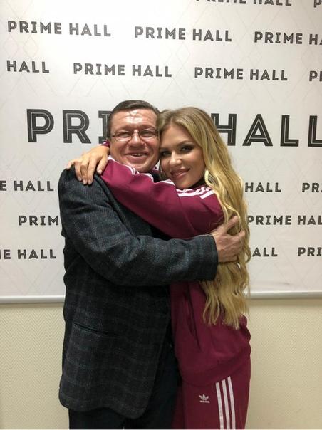 Отец Риты Дакоты после встречи с дочерью отправился на лечение от алкоголизма.