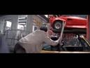 Джеки Чан драка в гараже с дюжиной парней .