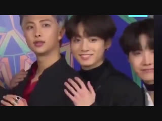 im still not over jungkook getting scared of his own fingers 💀💀