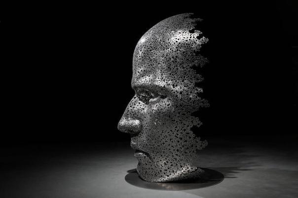 Выкованные из велосипедных цепей: скульптуры Сео Янг-Деока Южнокорейский скульптор Сео Янг-Деок использует в своей работе необычный материал - звенья велосипедных цепей. Из них он создает